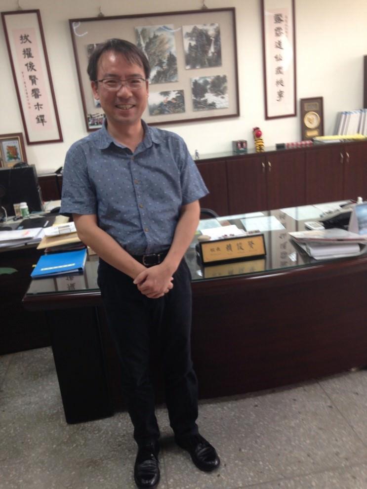 台北逸仙國小校長